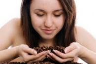 Як приготувати скраб з кавової гущі і мелених зерен в домашніх умовах. 6 рецептів та відгуки