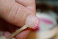 Як зняти акрилові нігті в домашніх умовах