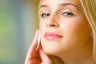 Як доглядати за жирною шкірою обличчя