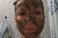 Маска для обличчя з бадяги