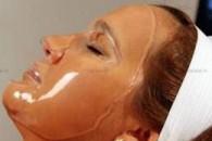 Маска з желатину для обличчя