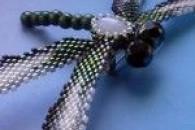 Плетіння бабки з бісеру різними способами