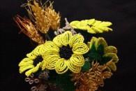 Поетапне виготовлення квітки соняшника з бісеру