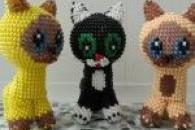 Різні способи плетіння об'ємних кошенят з бісеру за схемою