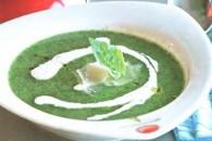 Суп з брокколі з йогуртом і пармезаном