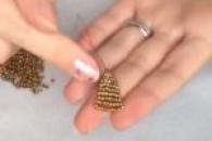 Уроки з плетіння дзвіночків з бісеру